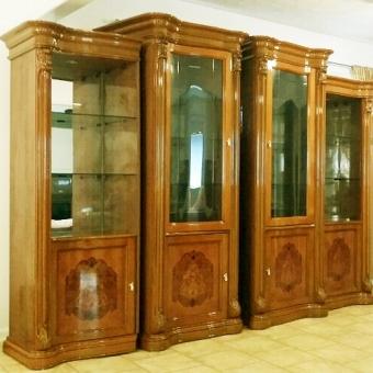 고급 잔치장 팝니다. 한쪽에 $295 나무와 유리로 된 4쪽 - 사고·팔고 - 조지아주닷컴 : Thumbnail - 340x340 커버이미지